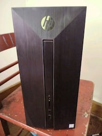 Hp gaming desktop with monitor and peripherals Newark, 43055