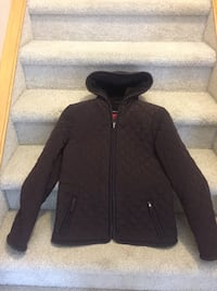 ESPRIT Quilted Jacket  Calgary, T3H 4M6