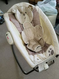 baby's white and gray bouncer Woonsocket, 02895