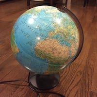 Illuminated globe - 30cm | EUC, SFPF home Ajax, L1T 0A9