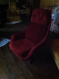 red suede padded rolling chair North Potomac, 20878