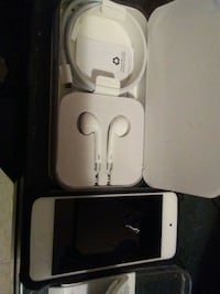 white and gray Apple EarPods with case Winnipeg, R3G
