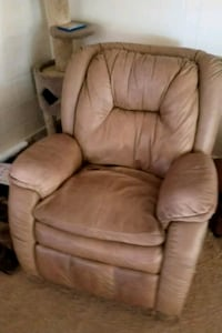 brown leather recliner sofa chair Modesto, 95354