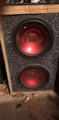 black-and-red Dual subwoofer with gray enclosure Lancaster, 43130