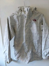 gray button-up long-sleeved shirt Hyattsville, 20783