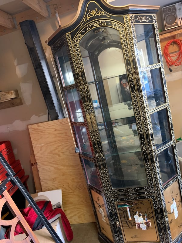 Vintage China Cabinet with a Coffee Table and side table 99743636-e4b4-4cd1-86af-309394d11062