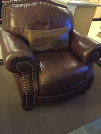 Genuine leather Sofa and chair    Mount Juliet, 37122