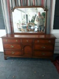 9 drawer dresser Kissimmee, 34744