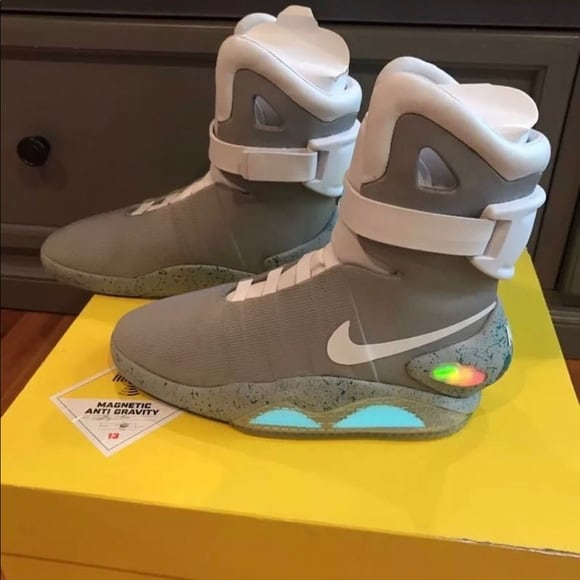Nike Air Mags (BACK TO THE FUTURE) RAFFLE!