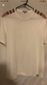 Burberry t shirt in very good condition