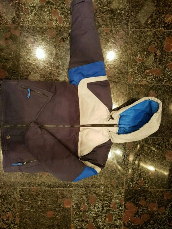 Boys Youth size large Old Navy Coat 31e3d05e-7278-4762-8941-f360a2a8d575