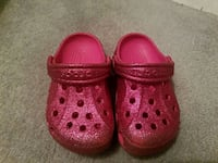 pair of pink crocs size 6-7 North Potomac, 20878