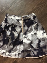 white and black floral skirt 519 km