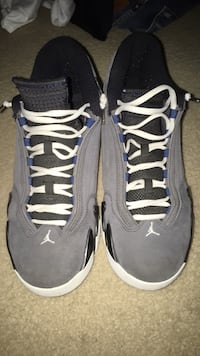 Pair of gray air jordan basketball shoes Waldorf, 20601