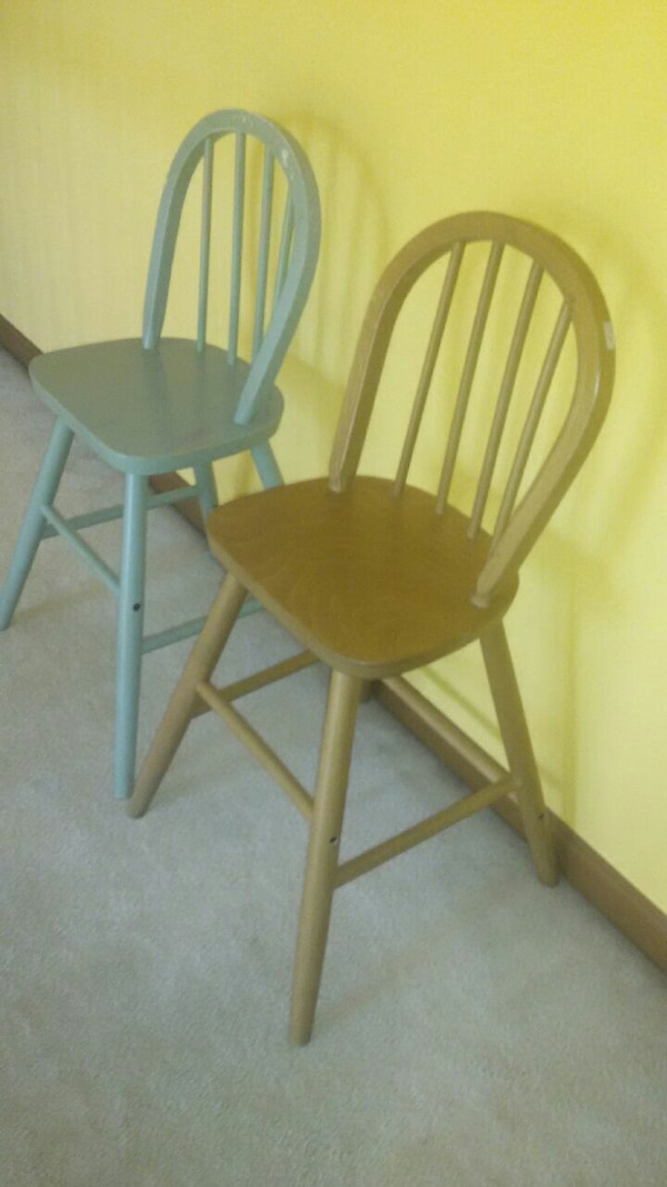2 Kids chairs