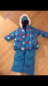 Toddler snowsuit  Kelowna, V1Y 3T9