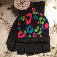 NWT Fingerless with flipover gloves  Calgary, T3L 1V9