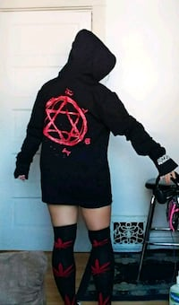 women's black long-sleeved shirt Winnipeg, R2L 0A4