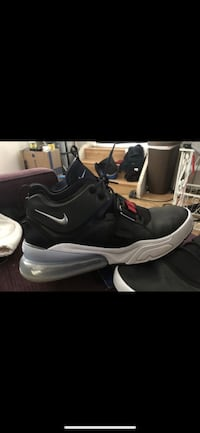 Nike size 12 men's shoes Oceanside, 92057