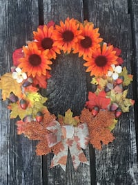 Cute Fall Burlap Wreath-NEW
