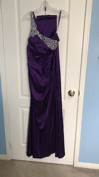 Purple spaghetti strap maxi dress Mississauga, L5M 4G6