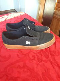 dc skate shoe size 10 mint condition  Courtenay, V9N 3W5