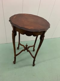 round brown wooden side table Manahawkin, 08050