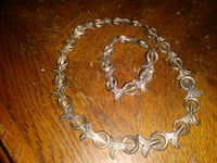 silver-colored chain necklace 374 mi