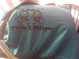 twin z baby nursing pillow. good quality pillow fo