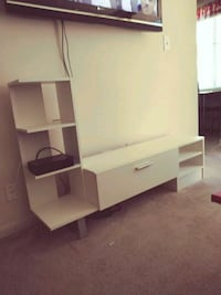 Wayfair white tv stand  Hyattsville, 20787