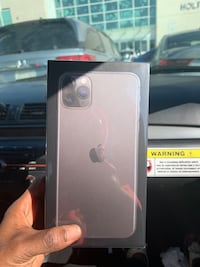 Hi there selling iPhone 11 pro max Toronto, M9N 2A4