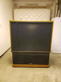 Hitachi Projection Color TV