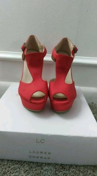 Cute Red Size 6.5 Wedges NWOT Louisville, 40205