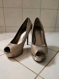 pair of gray leather peep toe platform pumps Mississauga, L5N 7L4