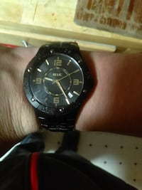 Black and gold relic watch Groton, 06340