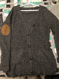 Ladies sweater  Edmonton, T5H 2X4