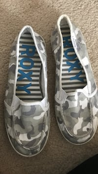 pair of white-gray-and-black camouflage Roxy sneakers Fargo, 58104
