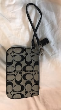 Authentic coach clutch  Burnaby, V5G 4L8