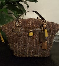 women's brown Coach shoulder bag Fort Worth, 76180