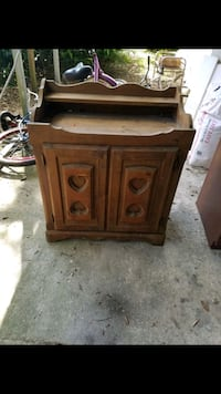All wood cabinet Gainesville, 32641