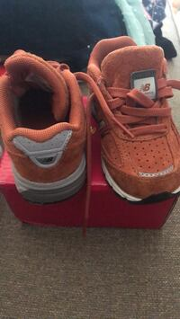 New balance toddlers Shoes  size 5