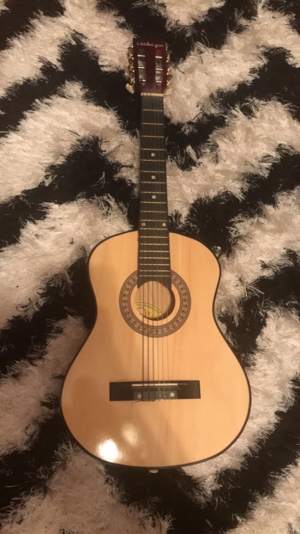 Used Brown And Black Dreadnought Acoustic Guitar For Sale In