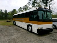 MCI - 42 PASSENGER WITH REST ROOM - 1987 Summerville