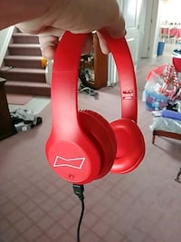 Blue tooth budweiser headphones