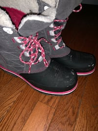 Winter Boots women; good condition SZ 8 Odenton, 21113