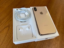 iPhone XS 256gig gold. Mint Condition. Unlocked. Local Pick up only!