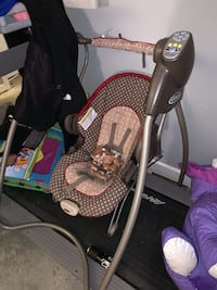 LIKE NEW GRACO VIBRATING AND SWINGING CHAIR