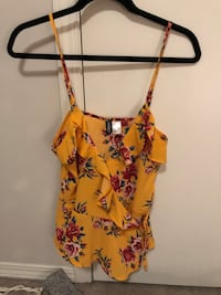 H&M top never worn size small Calgary, T2S 0K9