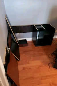 Free L shaped office desk ready to go.