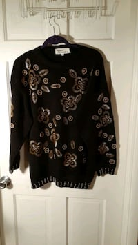 Western connections ladies medium sweater  Las Vegas, 89104